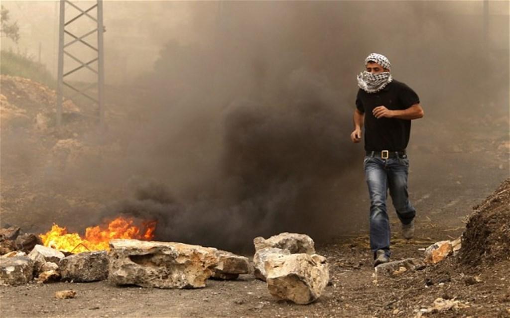 obama-israel-fire_2517548b